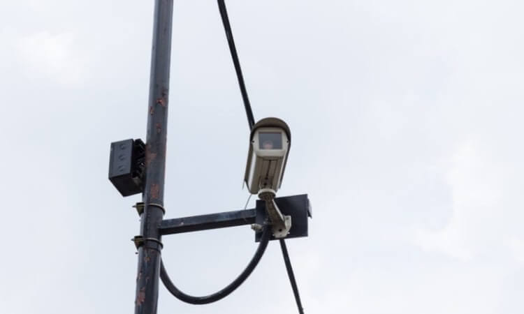 Do Red Light Cameras Flash?