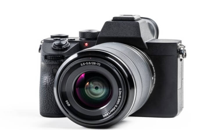 How Does A Mirrorless Camera Work?