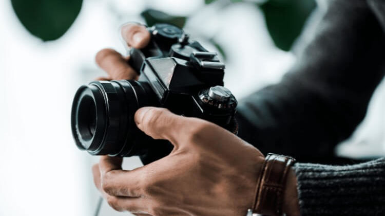 How To Make Money Off Photography: Possible Ways To Earn