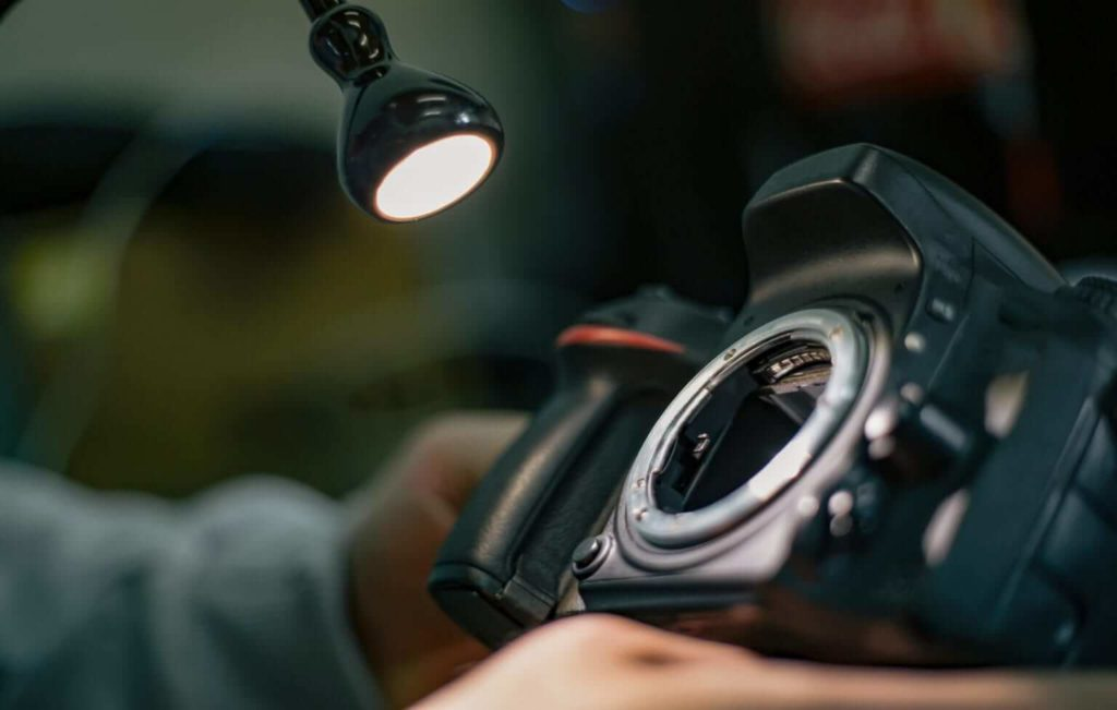How To Repair A DSLR Camera: Things You Need To Know