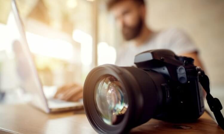 How To Use A DSLR Camera: A Beginner's Guide