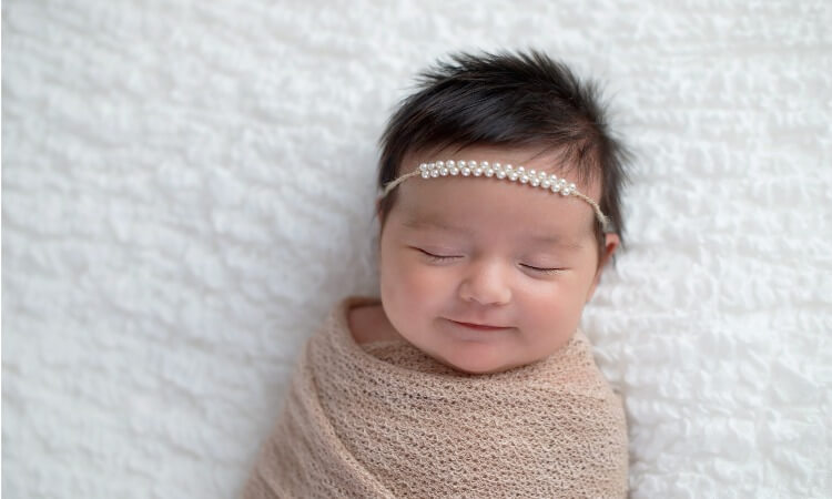 How To Wrap Newborn For Photography Shoot Like A Pro