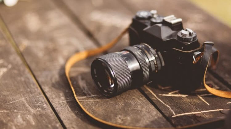 The 7 Best Camera Straps For Mirrorless