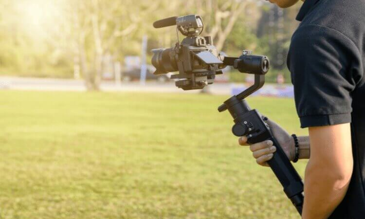 The 7 Best Gimbals For Mirrorless Camera