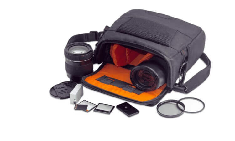 The 7 Best Mirrorless Camera Bags For Everyday Carry