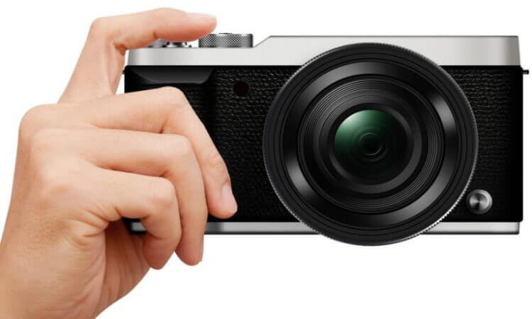 The 7 Best Mirrorless Cameras For Sports