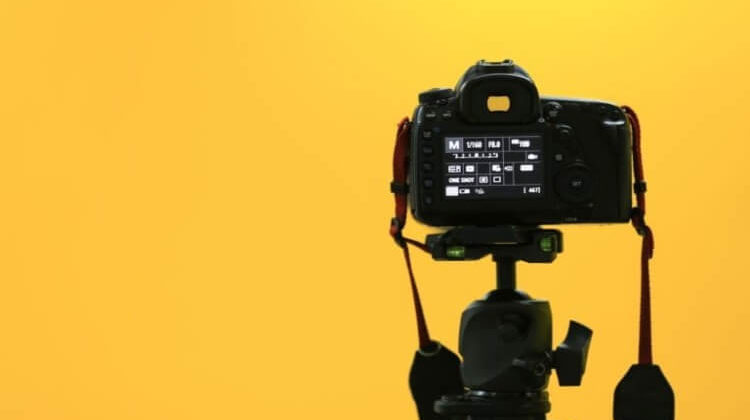 The 7 Best Tripods For Mirrorless Cameras